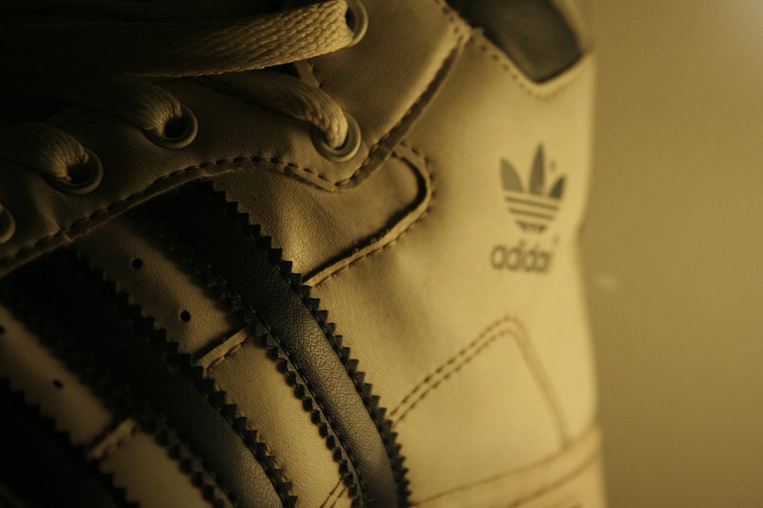 kicks_adidas_web.jpg